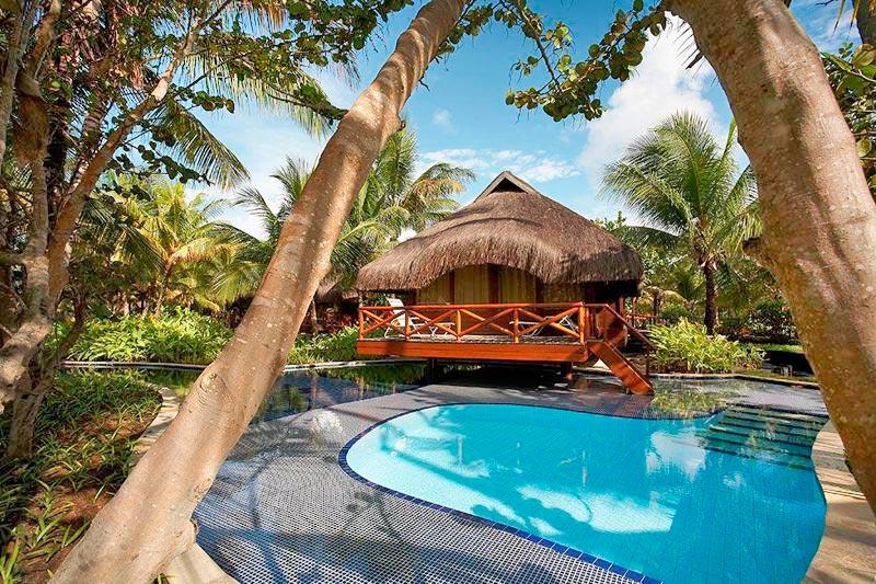 Bangalô Premium em meio a natureza e detalhes da piscina privativa